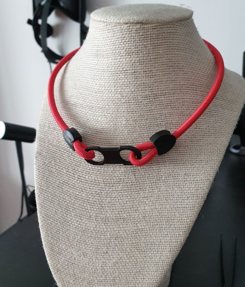 Red Caveira necklace